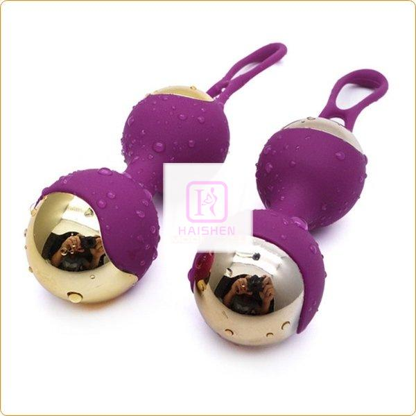 Gold-plated Love Ball