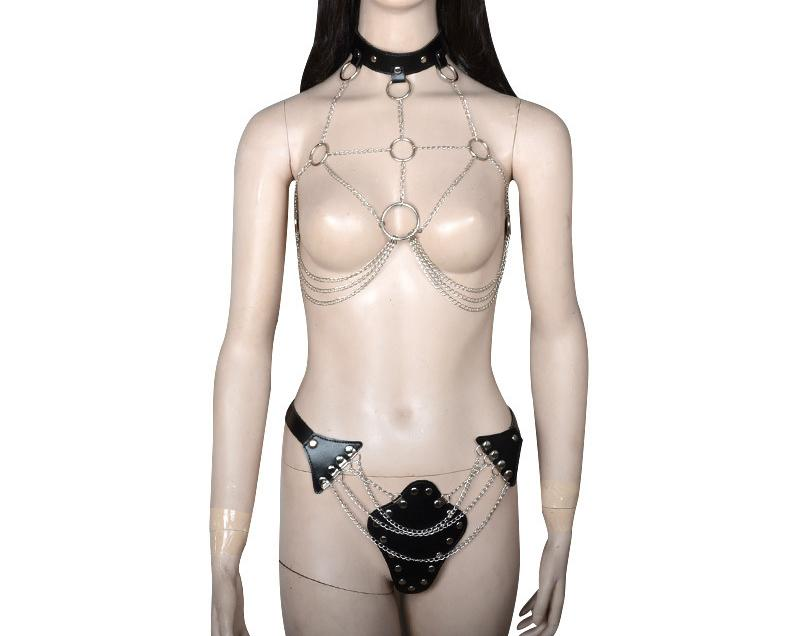 New Fetish Sexy Clothes Leather with Metal Body Harness for Fema