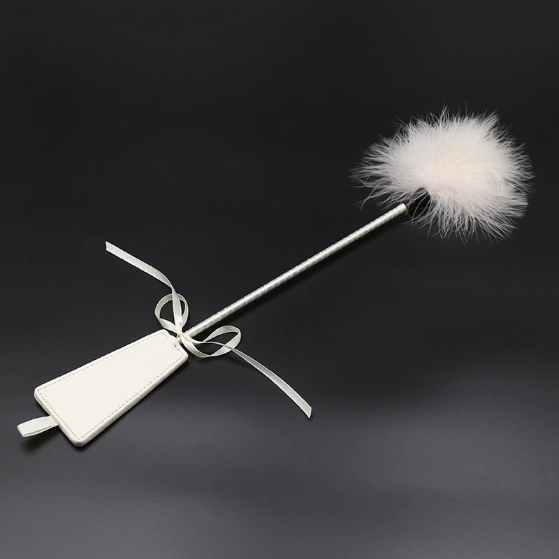 Flirting Feathers Tease Chicken Feathers Sweep Hand Paddle Alternative Toys for Couples Flirt Sex