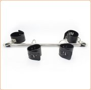 Locking Wrist and Ankle Spreader Bar With Cuffs